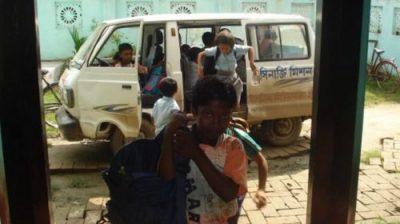 Financement d'un bus scolaire et ouverture d'une école
